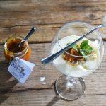 Celoletna osvežitev: jogurtova strnjenka z mandarinino marmelado